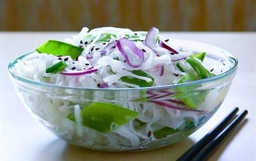 Вкусный салат из дайкона