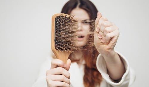 Причины сильного выпадения волос