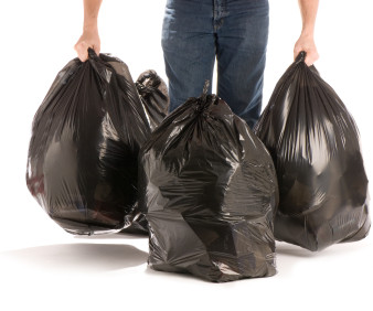 Мешки для мусора: незаменимая и универсальная тара, в которую можно паковать любые отходы
