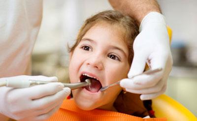 Что нужно знать о лечении детей у стоматолога?
